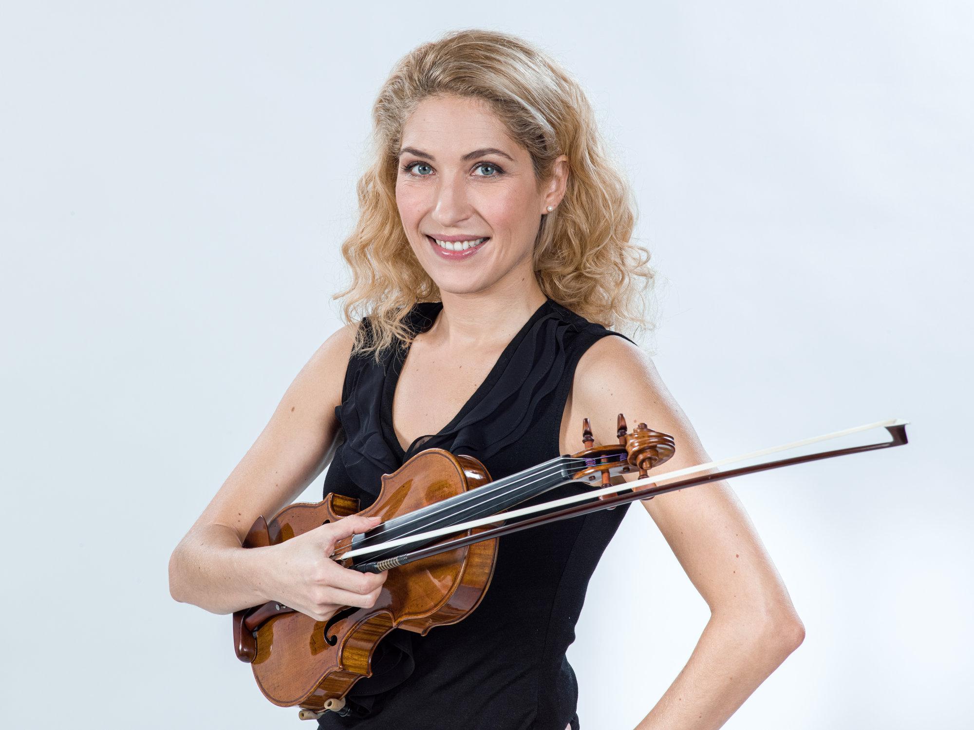 Agnes Farkas - Erste Konzertmeisterin an der Musikalischen Komödie Leipzig / Foto Tom Schulze / Portrait