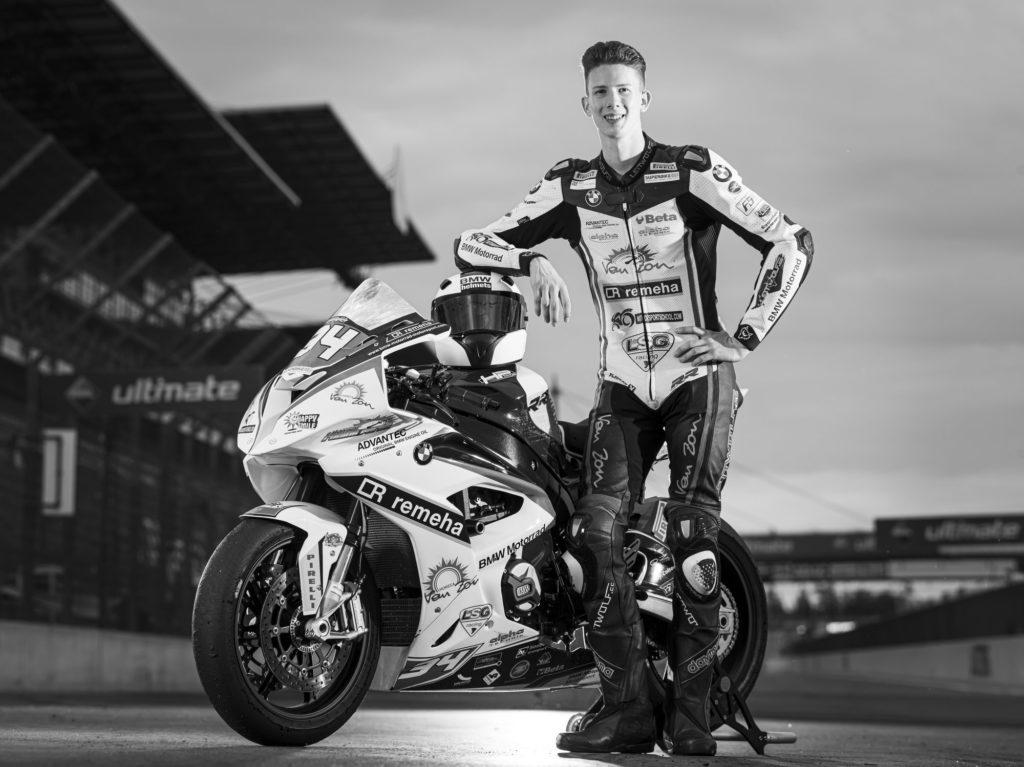 Rennfahrer Marco Nekvasil auf dem Lausitzring / Foto Tom Schulze / Portrait