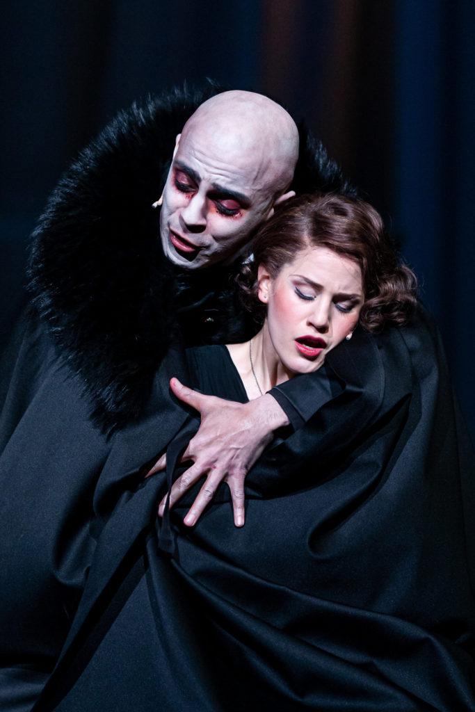 Dracula - Musikalische Komödie Leipzig / Theaterfotografie / Foto Tom Schulze